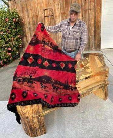 2021-bchw-lc-online-auction-bench-and-blanket.jpg